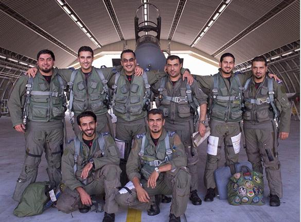 เจ้าชายคอลิด บิน ซัลมาน แห่งซาอุดีอาระเบีย ทรงขับเครื่องบินขับไล่ F15 โจมตีกลุ่มไอซิสในซีเรีย