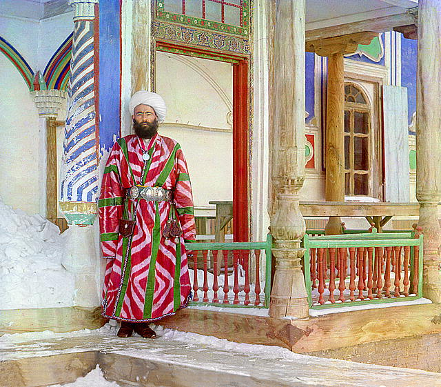 12-A-bureaucrat-in-Bukhara.-Photographed-in-1911-by-Sergei-Mikhailovich-Prokudin-Gorskii.